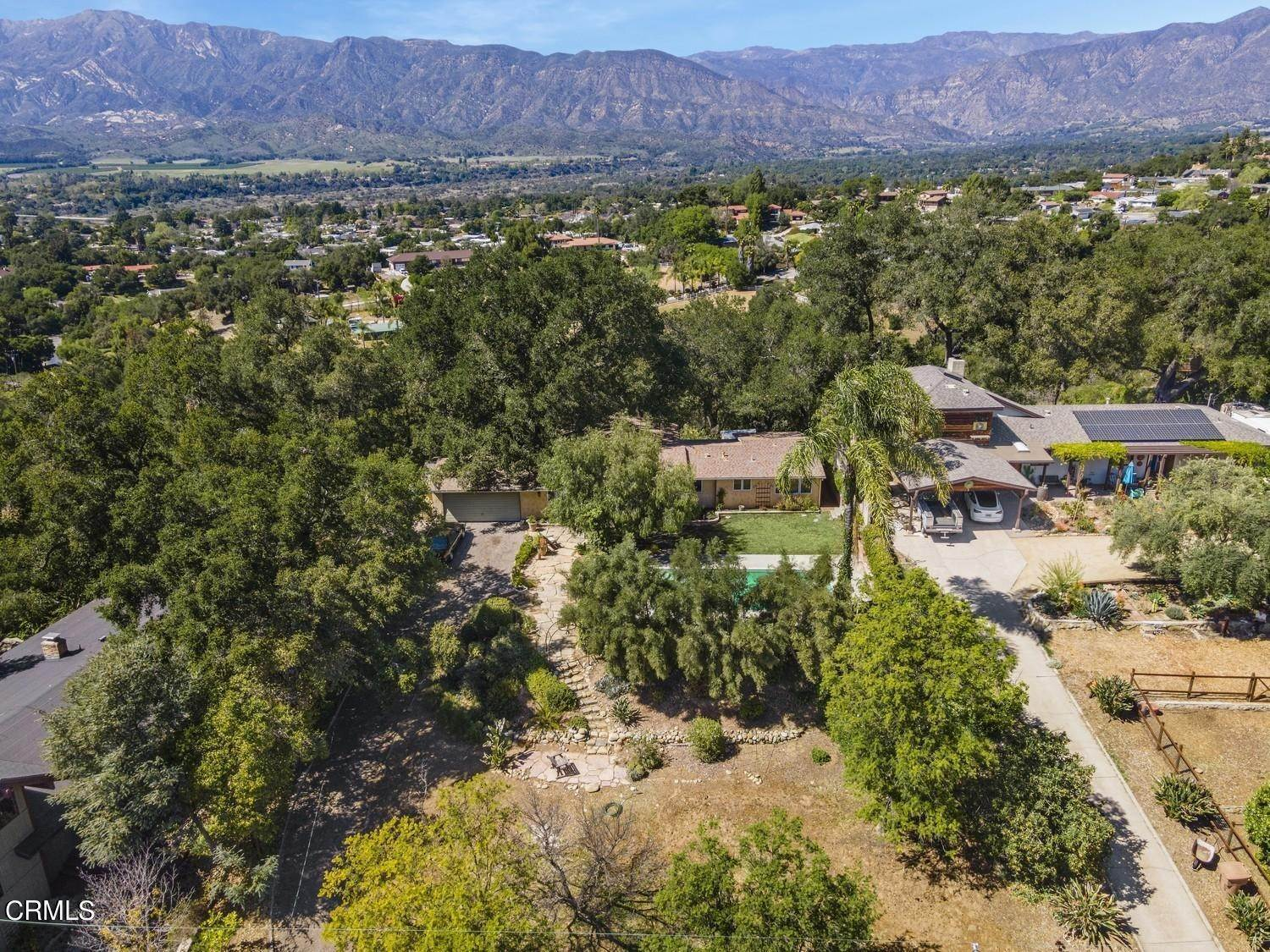 34. Single Family Homes for Sale at 170 Brandt Avenue Oak View, California 93022 United States
