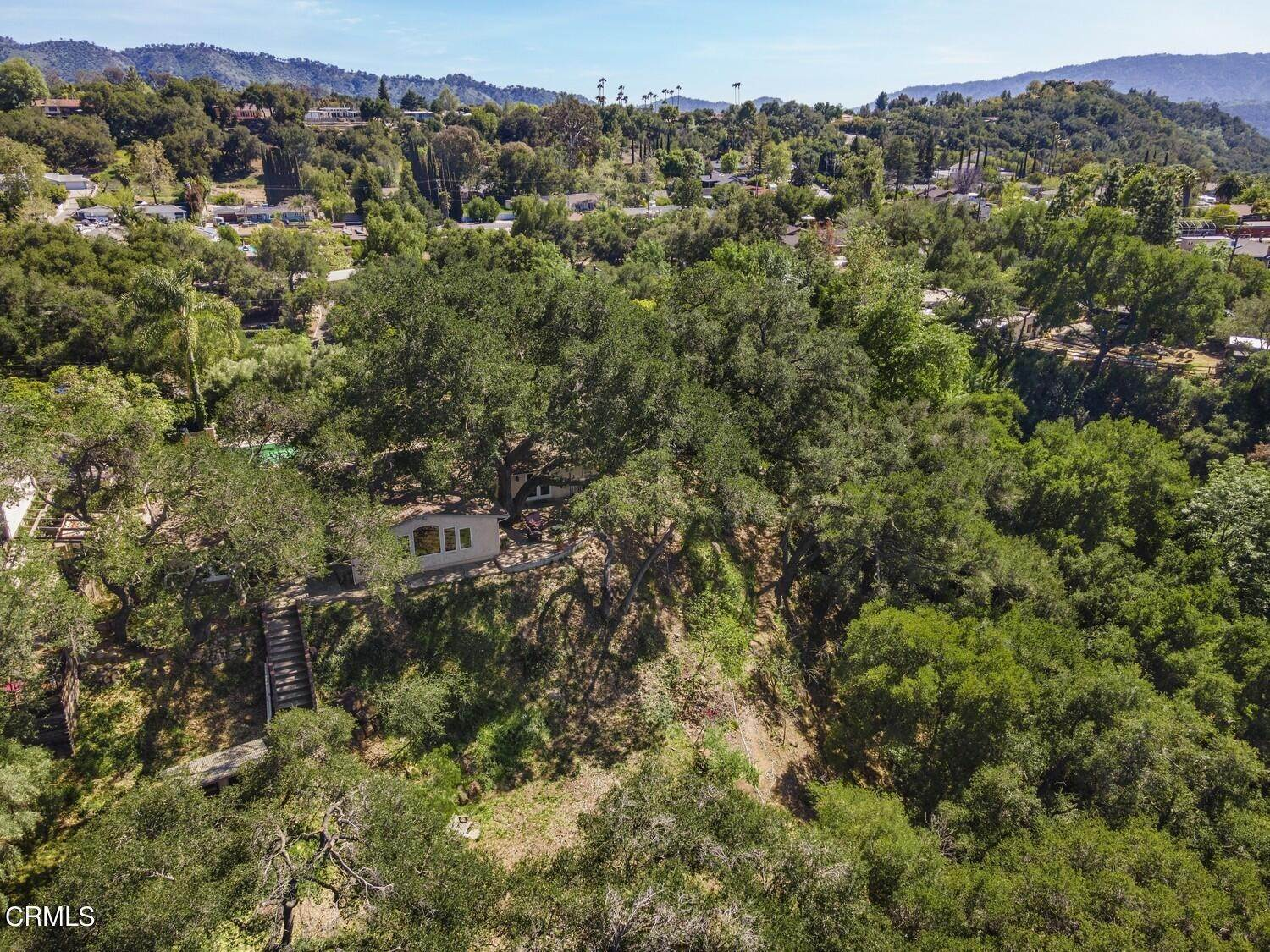 37. Single Family Homes for Sale at 170 Brandt Avenue Oak View, California 93022 United States
