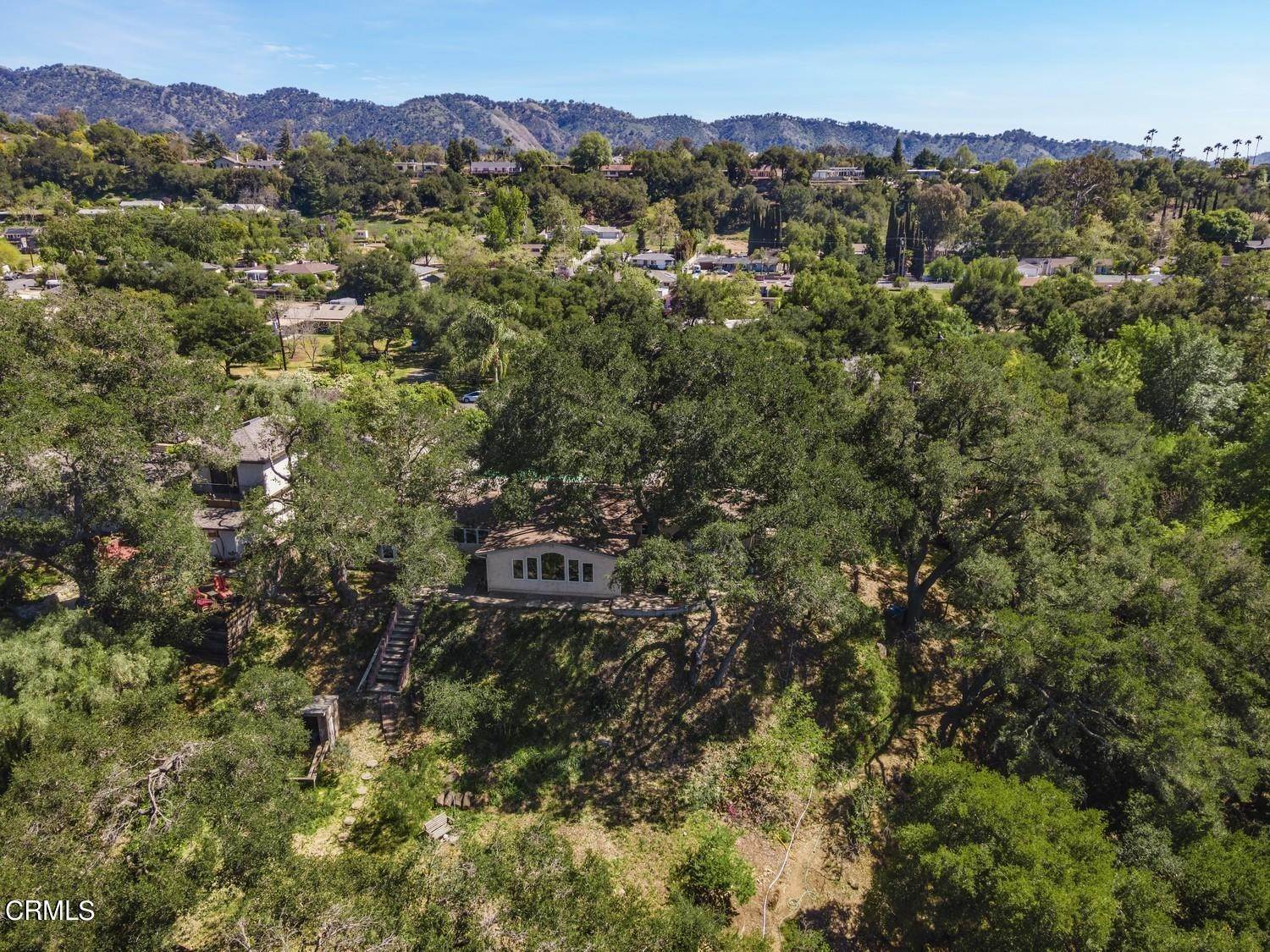 38. Single Family Homes for Sale at 170 Brandt Avenue Oak View, California 93022 United States