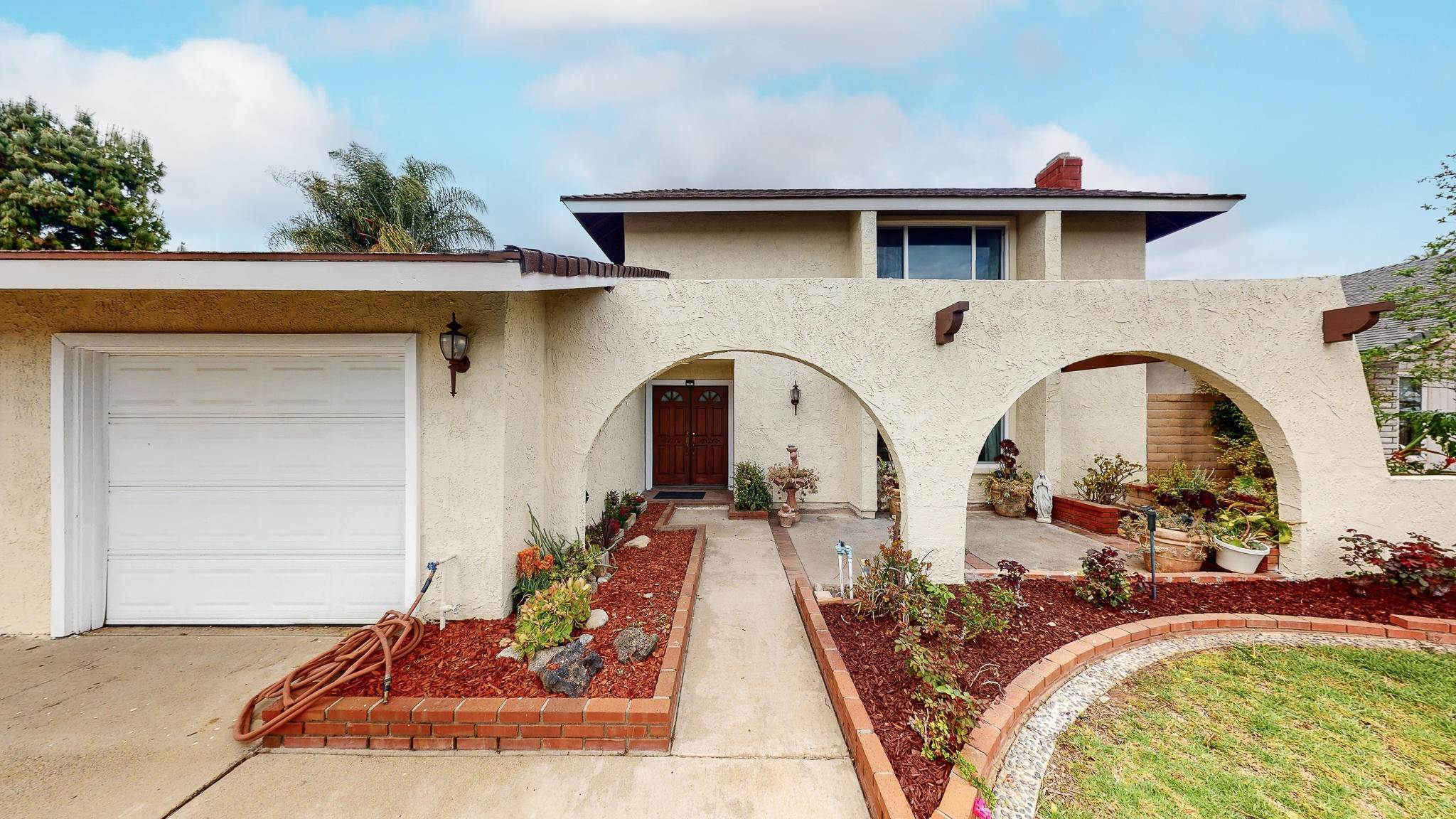 4. Single Family Homes for Sale at 1039 Alondra Circle La Verne, California 91750 United States
