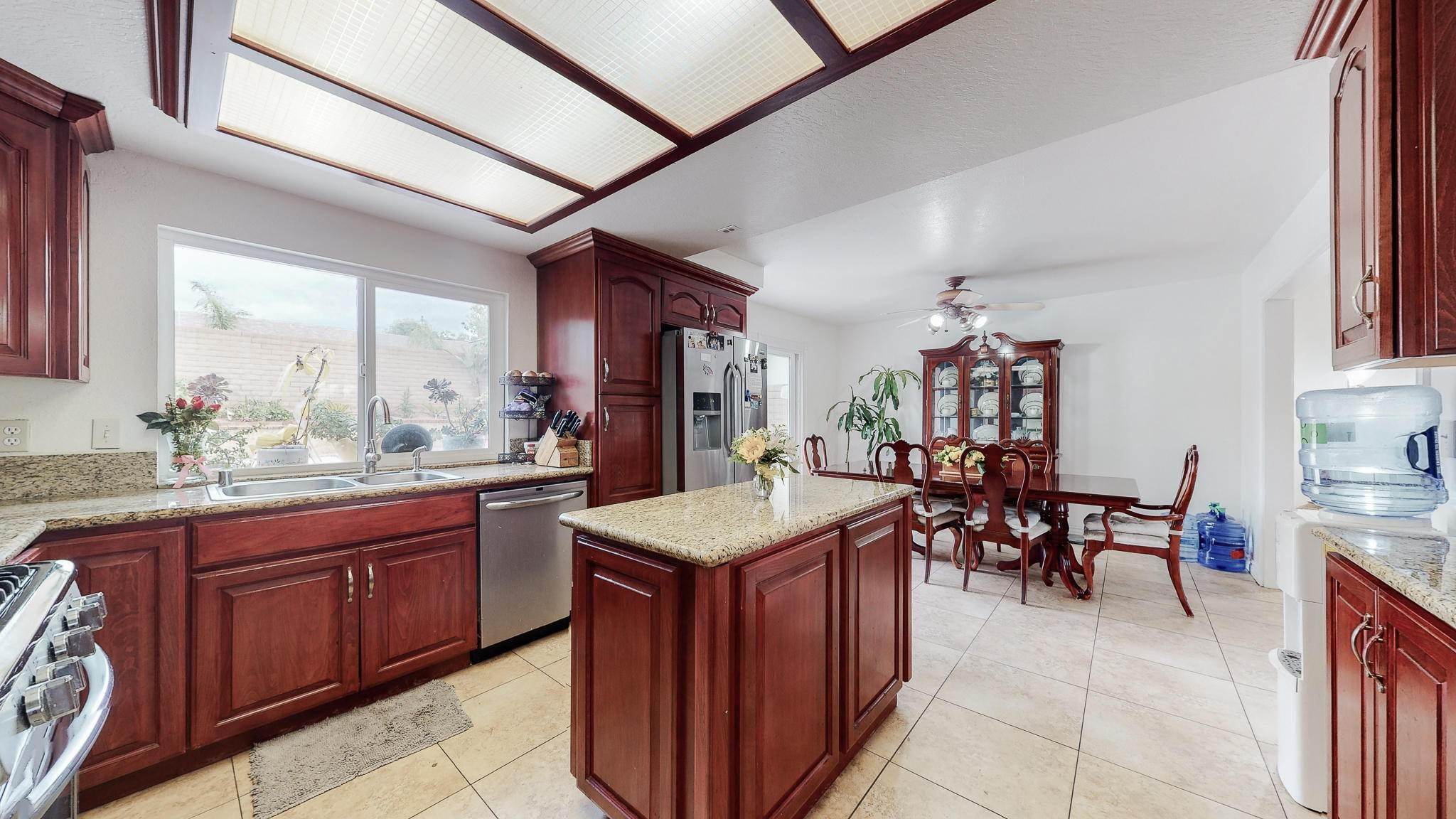 9. Single Family Homes for Sale at 1039 Alondra Circle La Verne, California 91750 United States