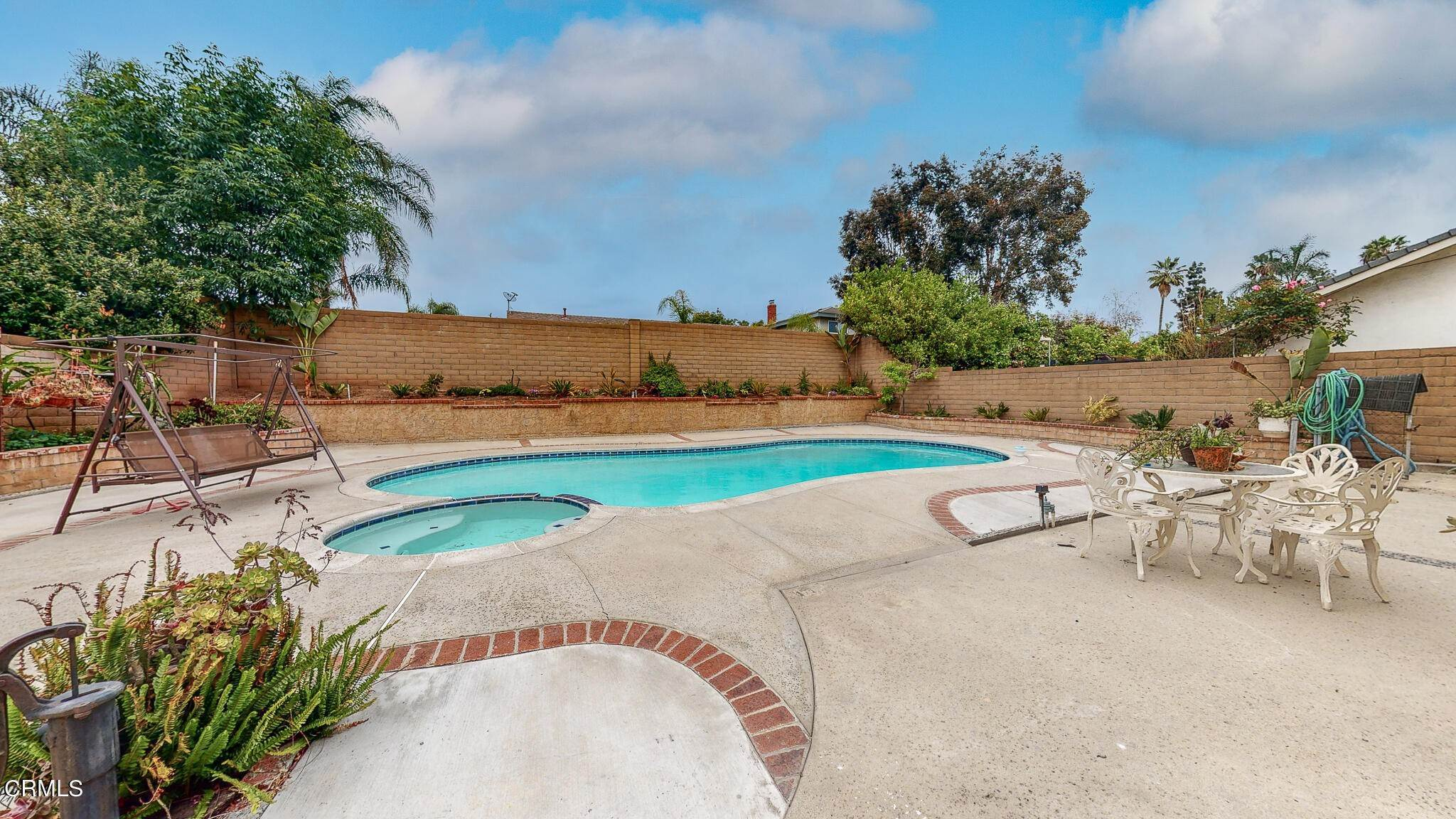 20. Single Family Homes for Sale at 1039 Alondra Circle La Verne, California 91750 United States