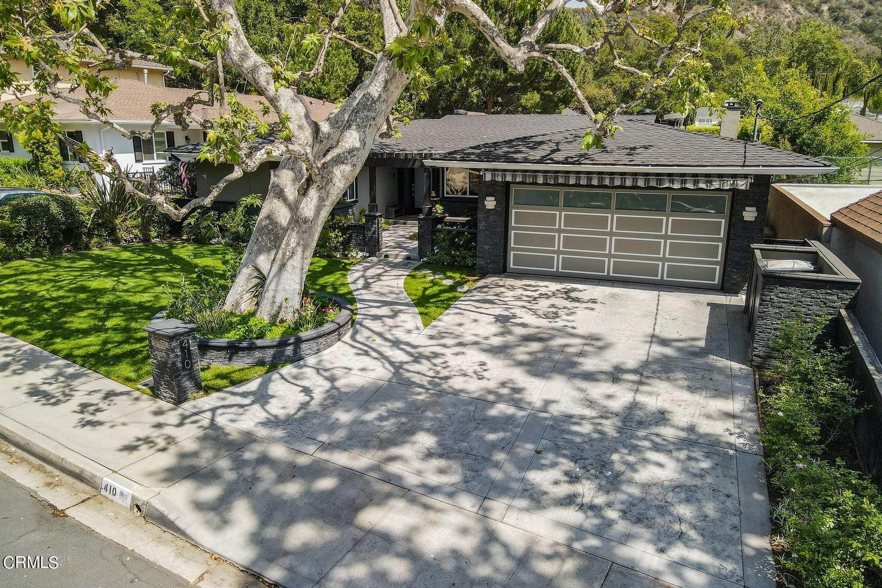 50. Single Family Homes for Sale at 410 Coutin Lane Glendale, California 91206 United States