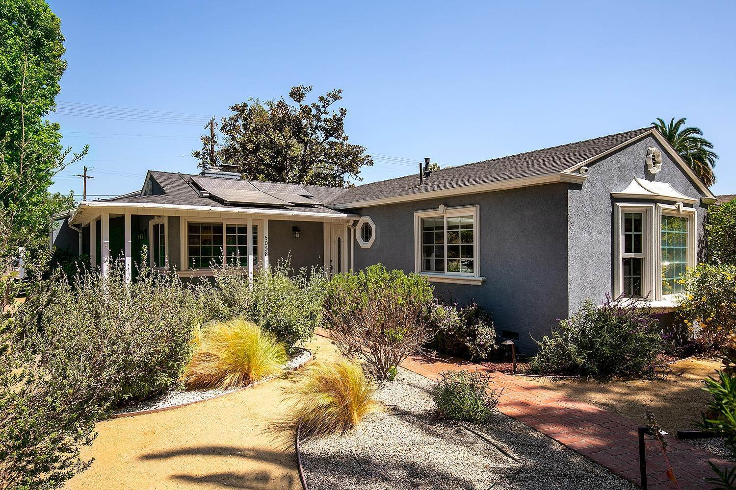 3. Single Family Homes for Sale at 5058 Willowcrest Avenue North Hollywood, California 91601 United States