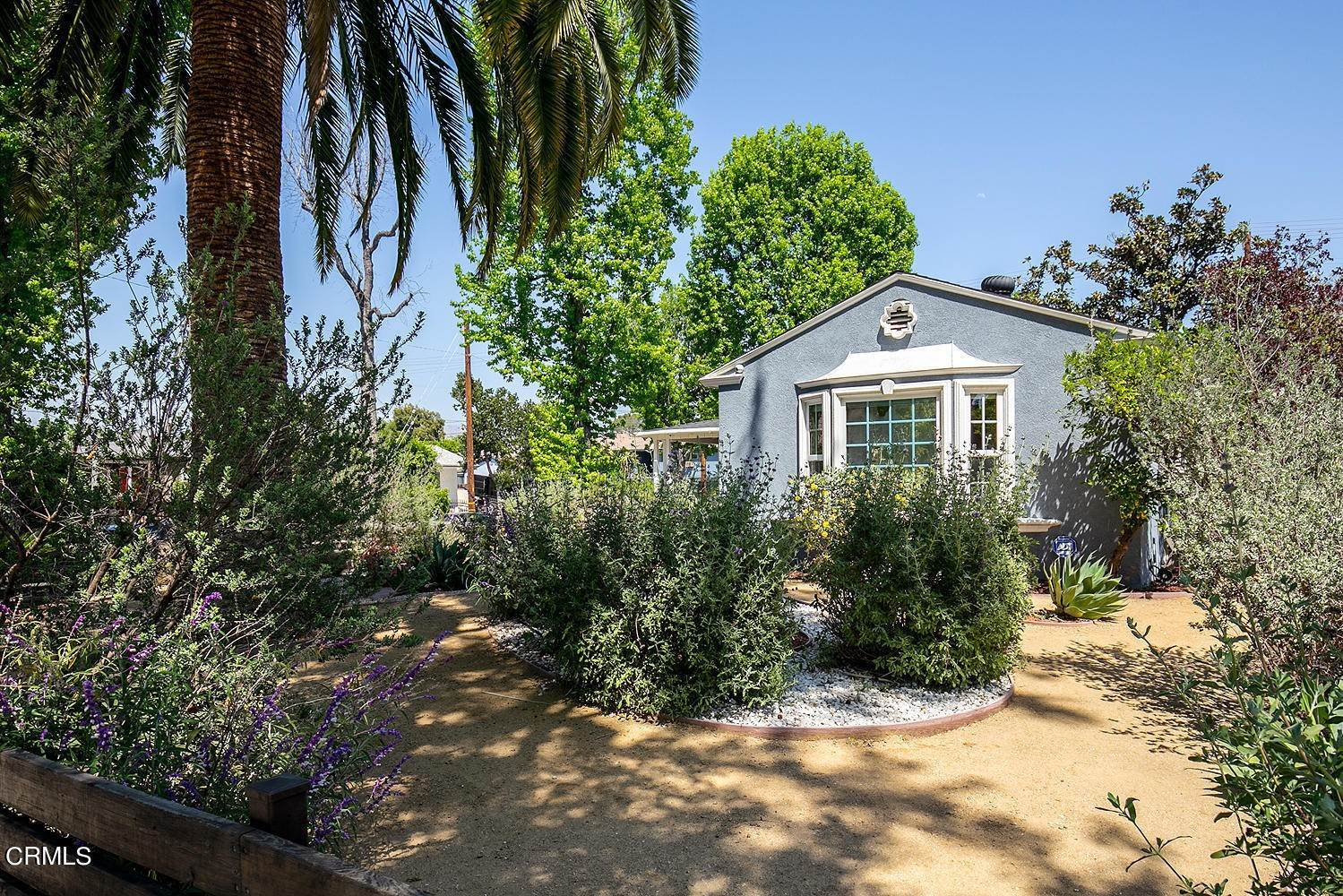5. Single Family Homes for Sale at 5058 Willowcrest Avenue North Hollywood, California 91601 United States