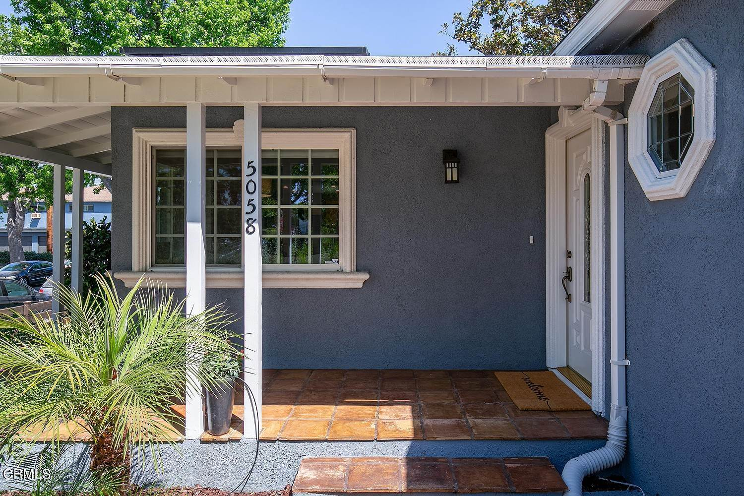 8. Single Family Homes for Sale at 5058 Willowcrest Avenue North Hollywood, California 91601 United States