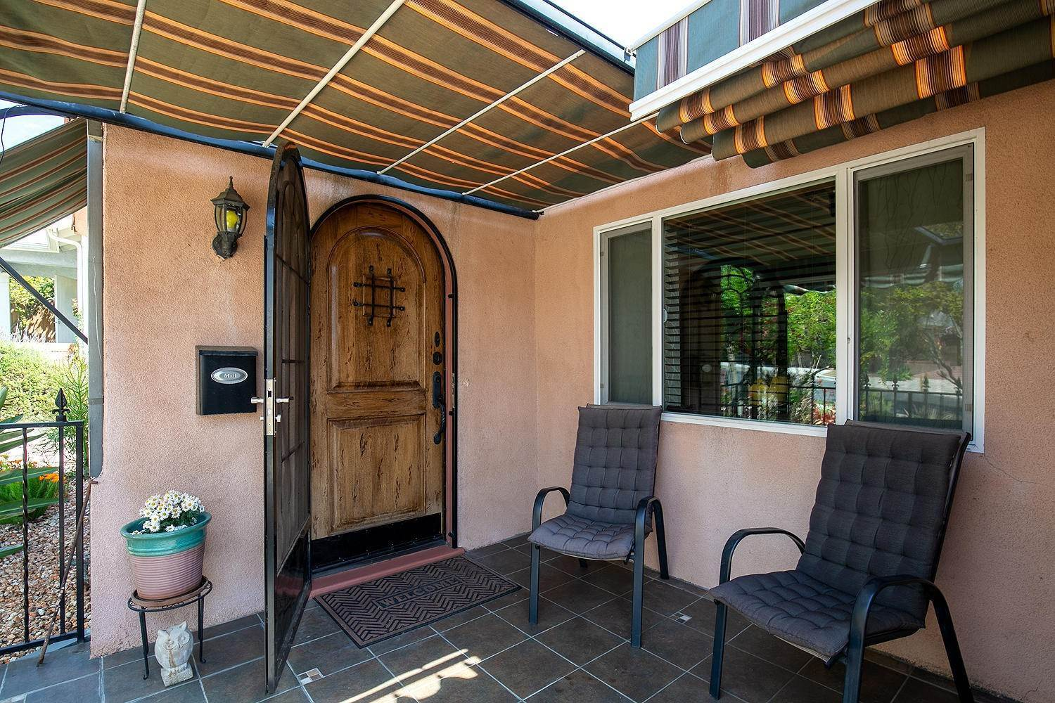 3. Single Family Homes for Sale at 1032 Glen Arbor Avenue Los Angeles, California 90041 United States