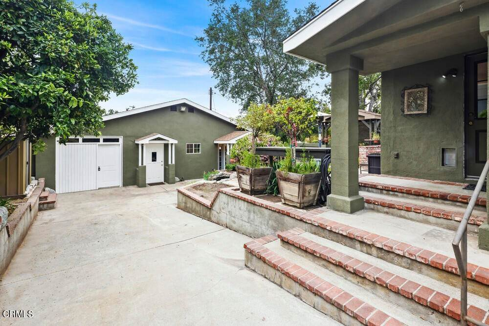 49. Single Family Homes for Sale at 1084 Beverly Way Altadena, California 91001 United States