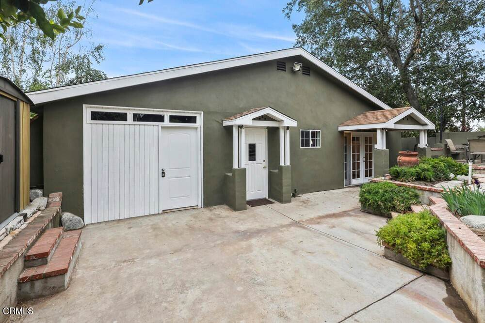 24. Single Family Homes for Sale at 1084 Beverly Way Altadena, California 91001 United States