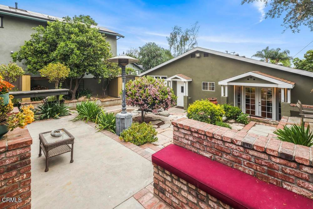 23. Single Family Homes for Sale at 1084 Beverly Way Altadena, California 91001 United States