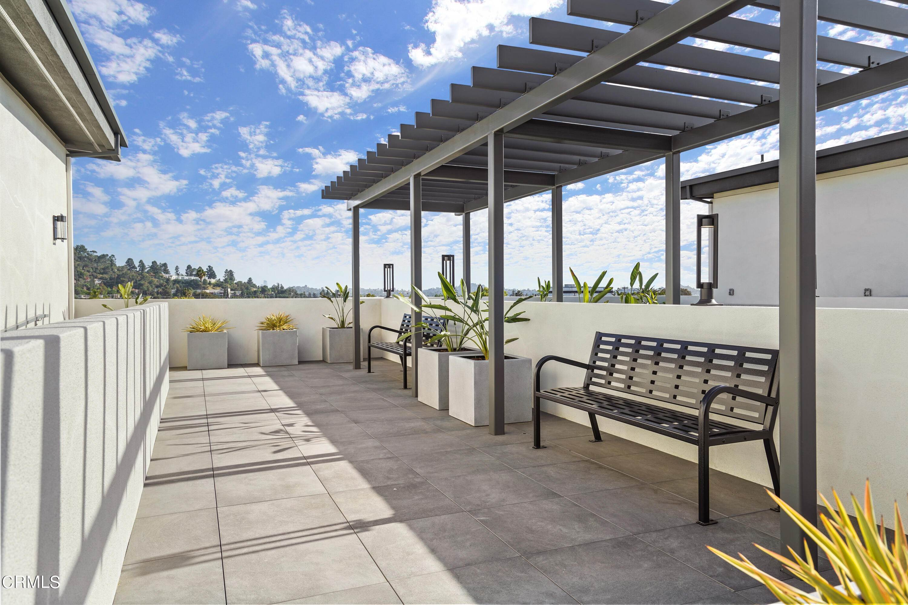 40. Condominiums for Sale at 518 East windsor Road 106 #106 518 East windsor Road 106 Glendale, California 91205 United States