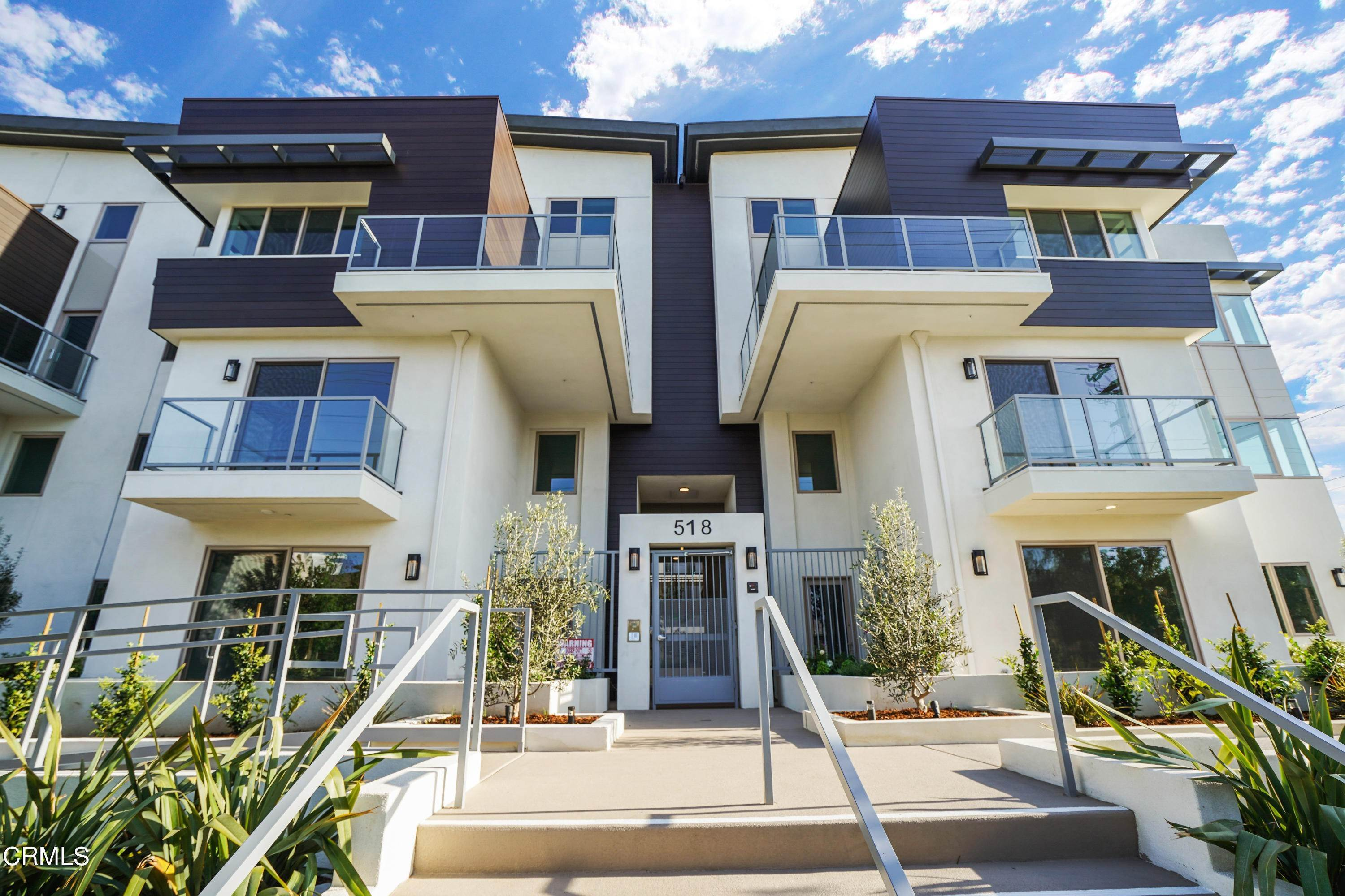 2. Condominiums for Sale at 518 East windsor Road 106 #106 518 East windsor Road 106 Glendale, California 91205 United States