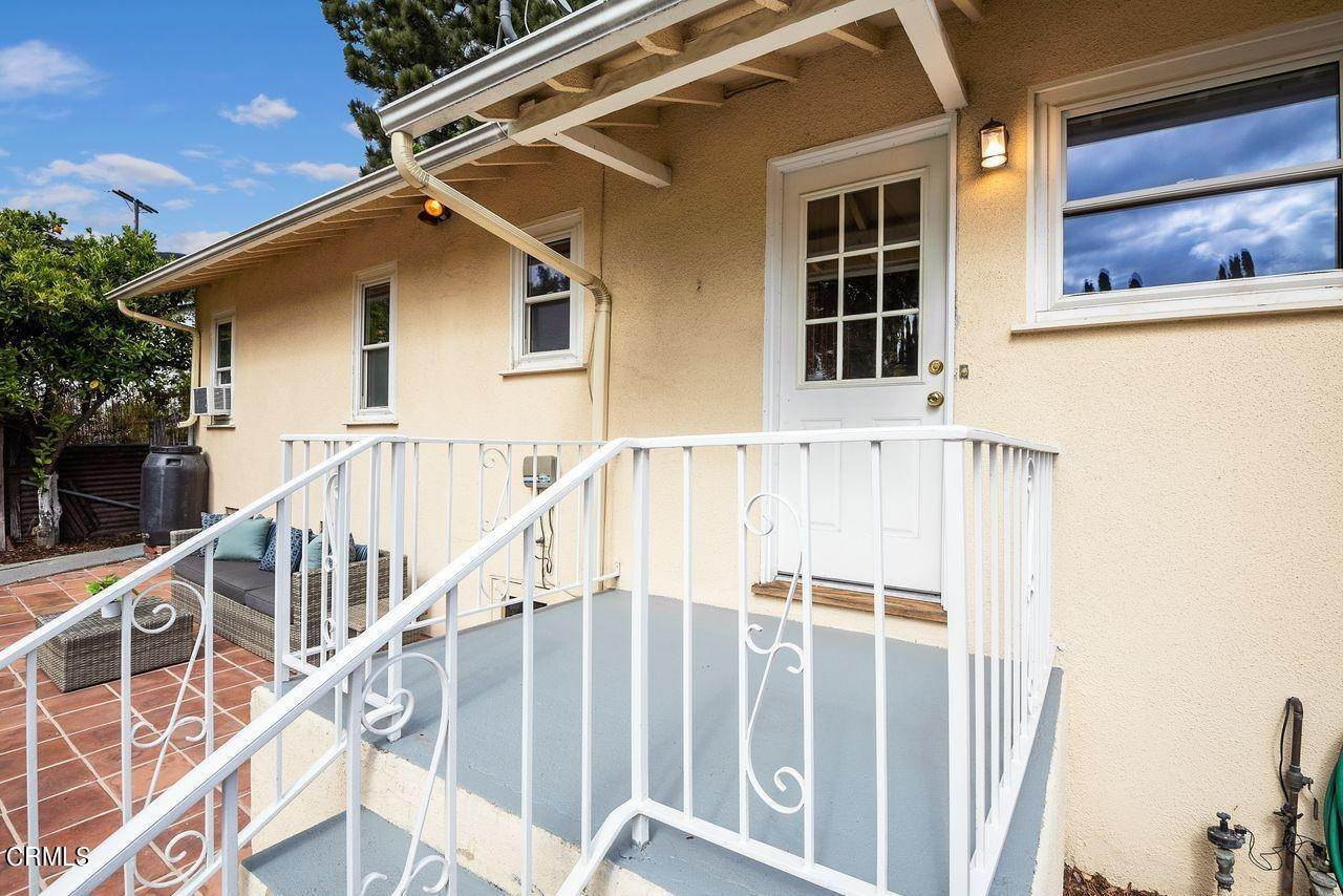 28. Single Family Homes for Sale at 4415 Maryland Avenue Glendale, California 91214 United States