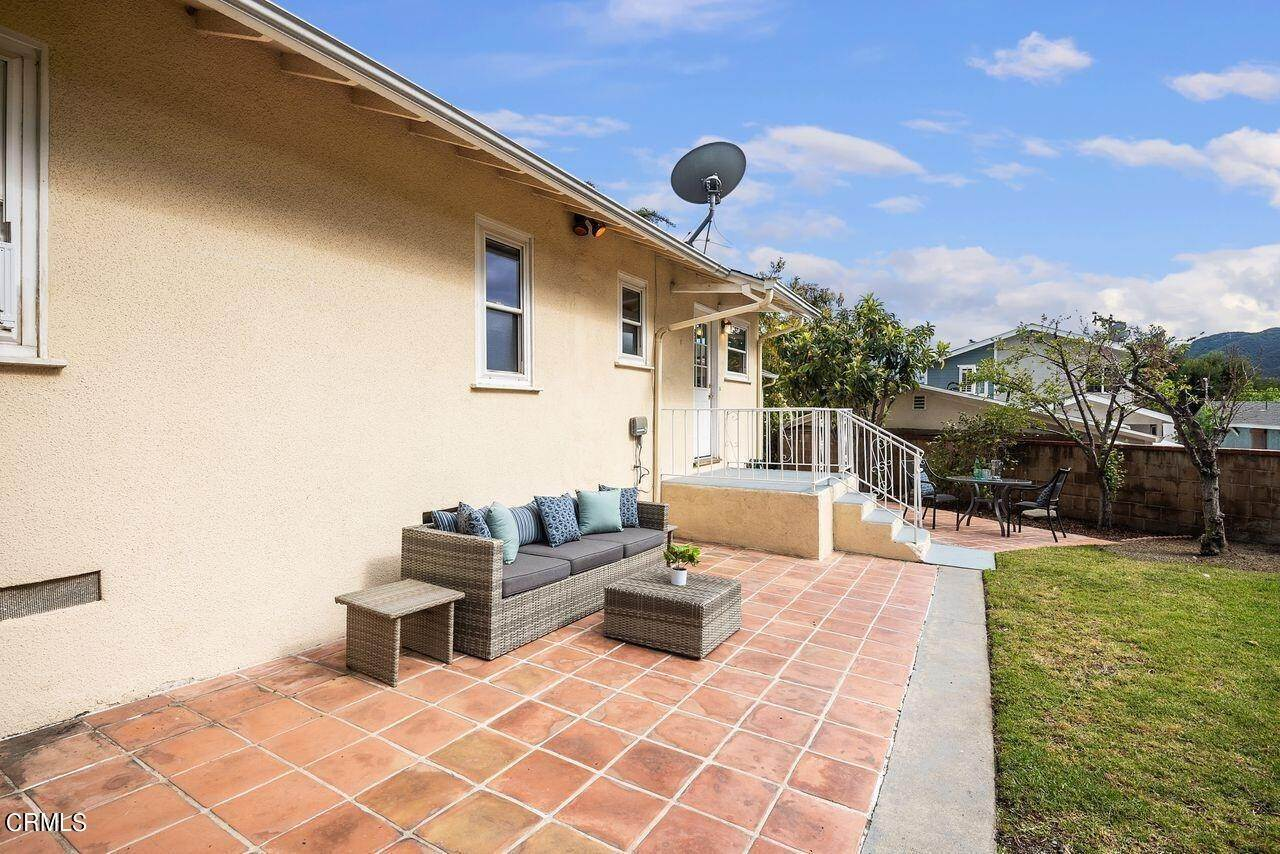 30. Single Family Homes for Sale at 4415 Maryland Avenue Glendale, California 91214 United States