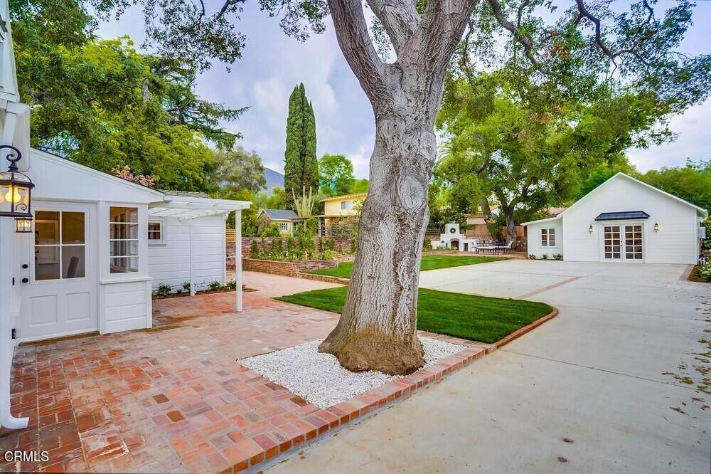40. Single Family Homes for Sale at 180 South Michillinda Avenue Sierra Madre, California 91024 United States