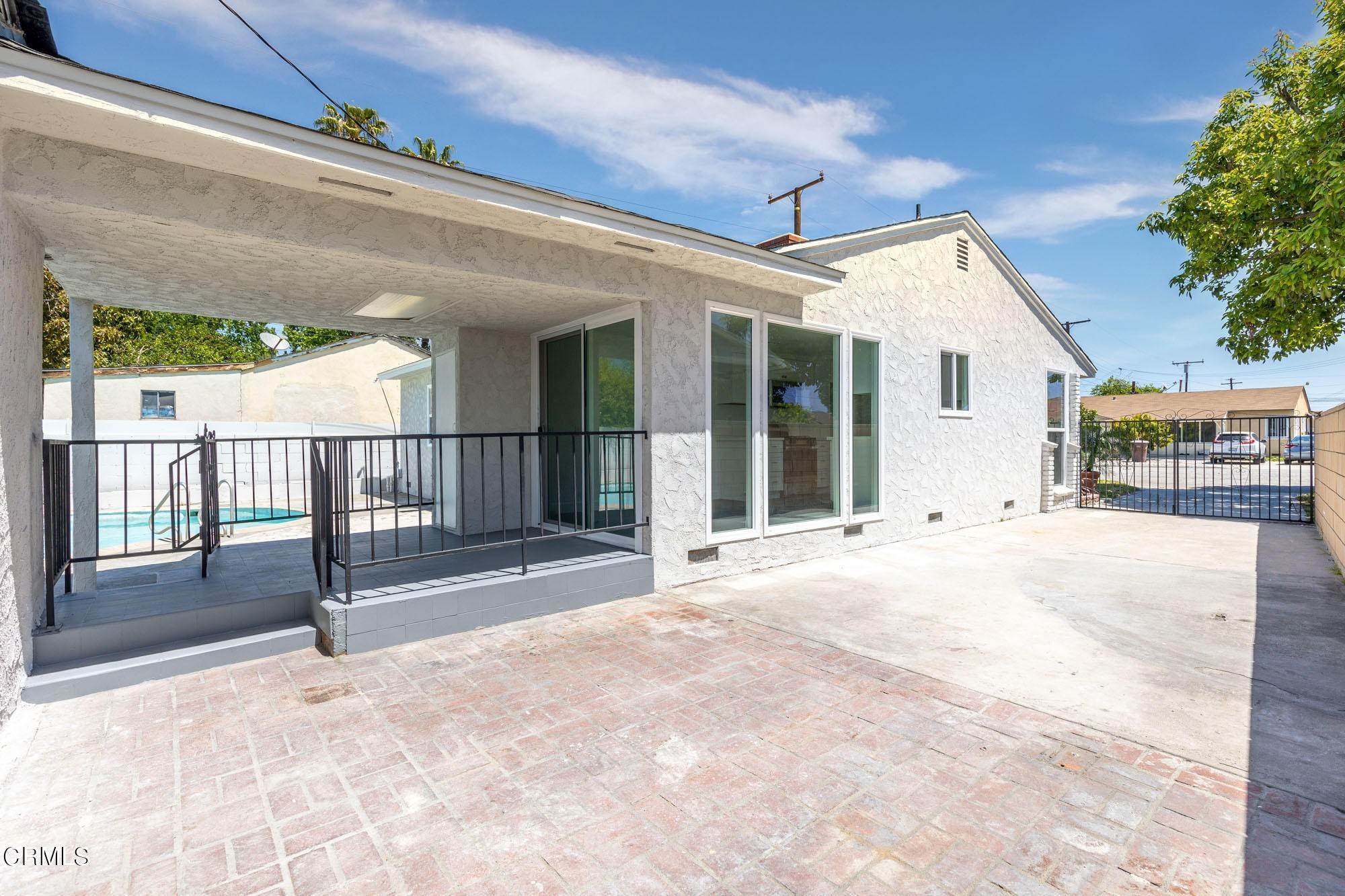 22. Single Family Homes for Sale at 2631 Havenpark Avenue El Monte, California 91733 United States