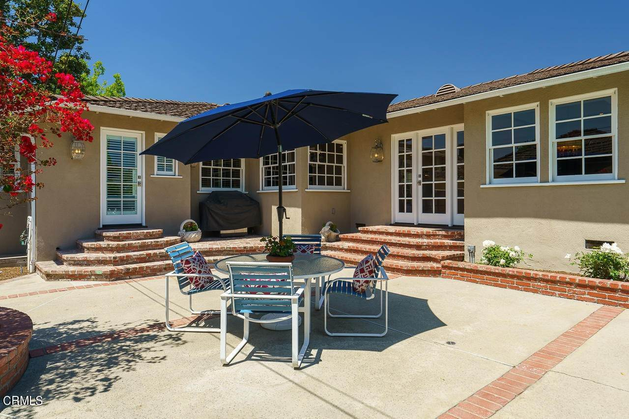 39. Single Family Homes for Sale at 1310 Blackstone Road San Marino, California 91108 United States