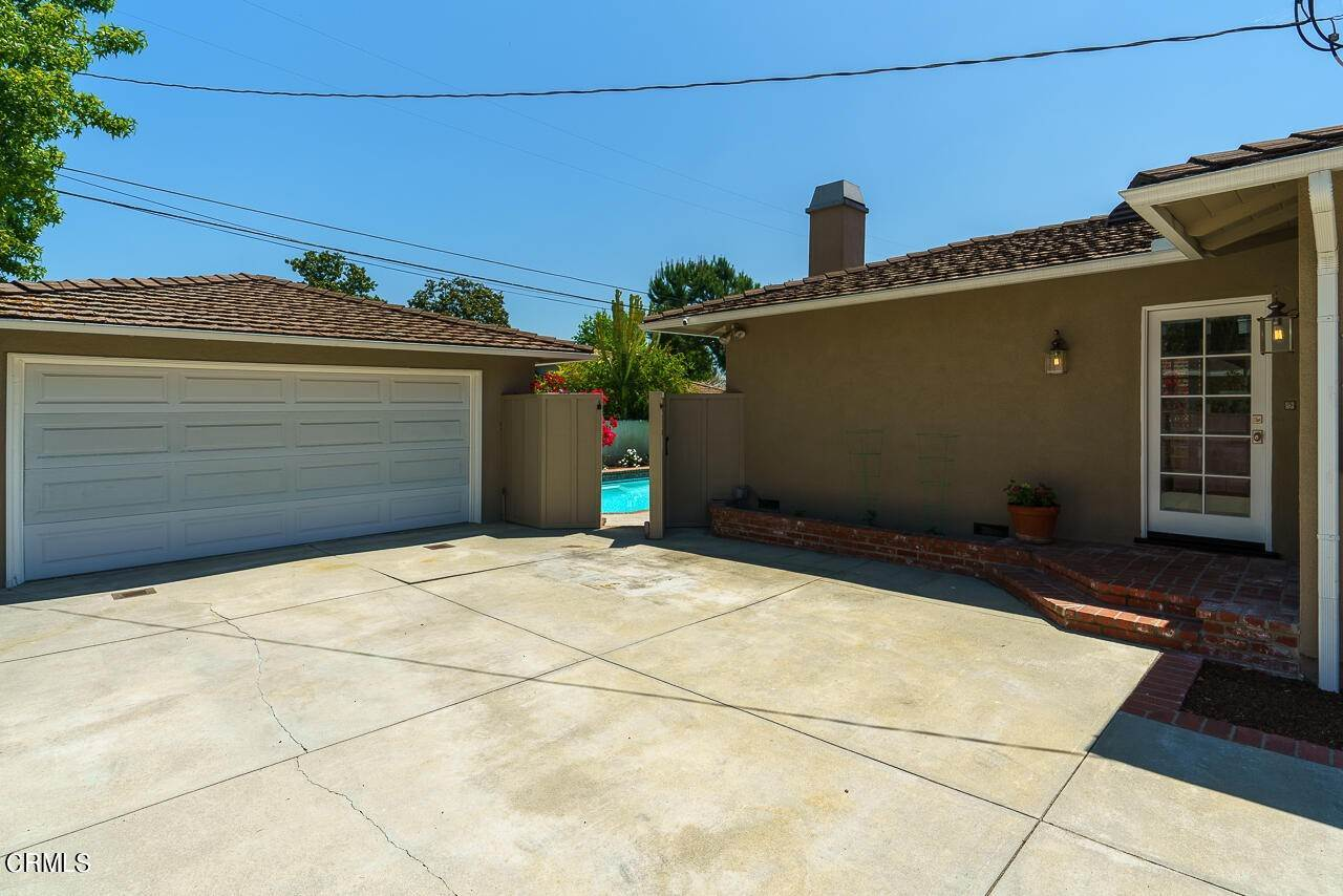 46. Single Family Homes for Sale at 1310 Blackstone Road San Marino, California 91108 United States