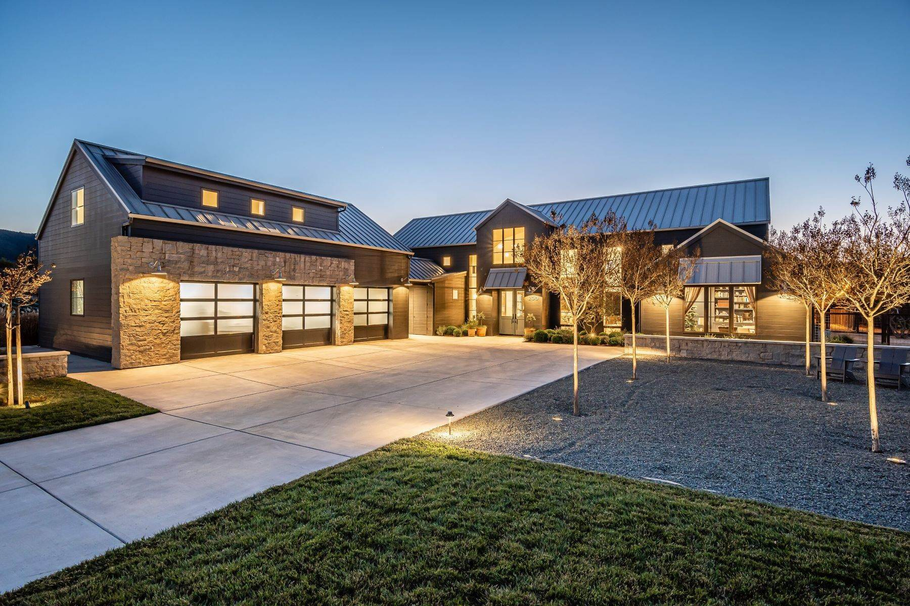 Single Family Homes for Sale at Gorgeous modern farmhouse with guest house 200 Jespersen Road San Luis Obispo, California 93401 United States