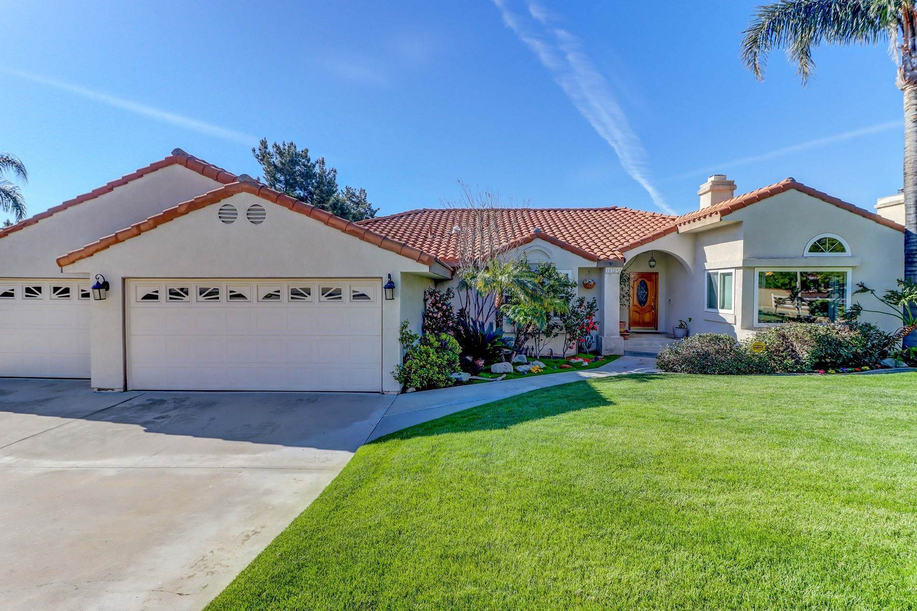 Single Family Homes por un Venta en 10329 Vista Grove Street, Rancho Cucamonga, CA 91737 10329 Vista Grove Street Rancho Cucamonga, California 91737 Estados Unidos