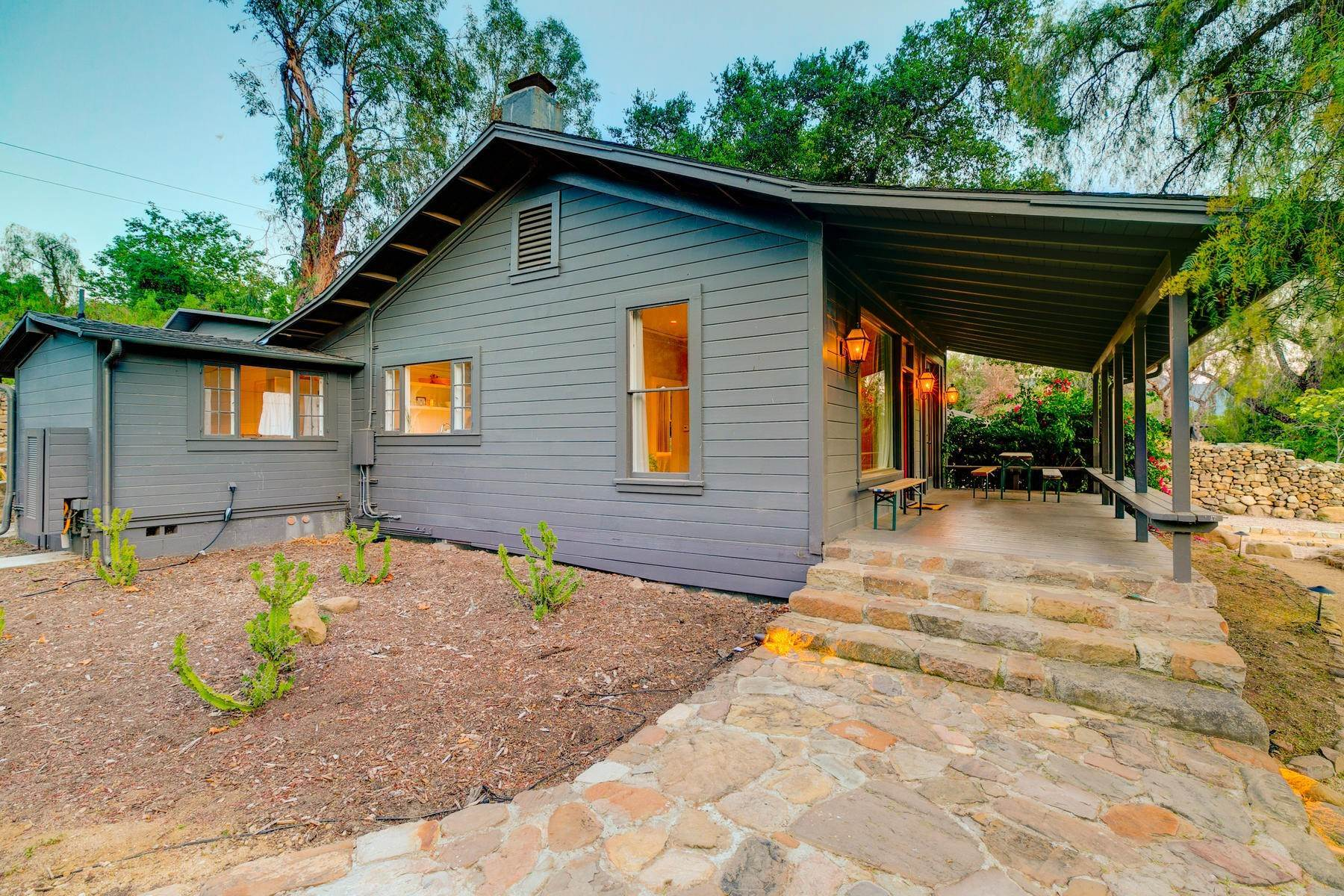 16. Single Family Homes for Sale at 4424 Thacher Road Ojai, California 93023 United States