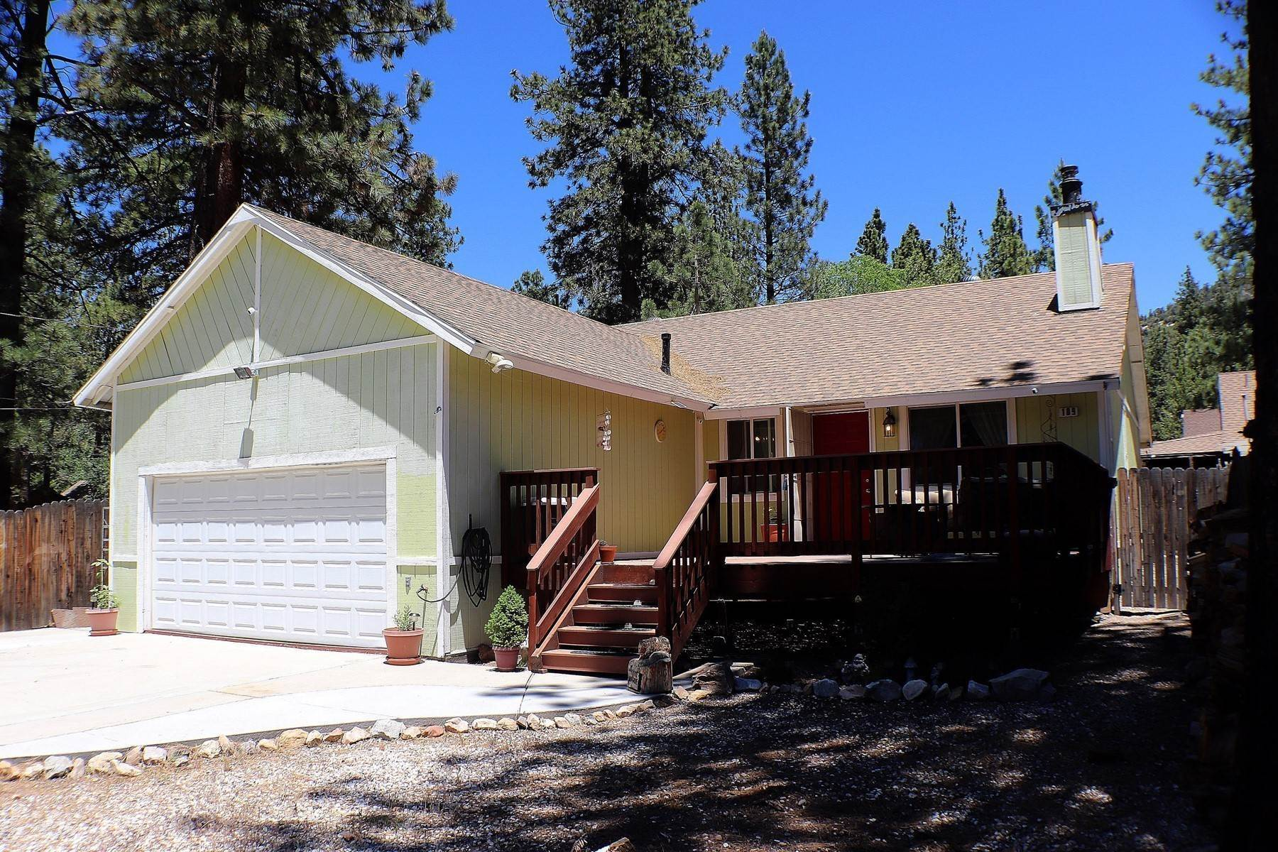 Single Family Homes for Sale at 109 East North Shore Drive, Big Bear City, California 92314 109 East North Shore Drive Big Bear City, California 92314 United States