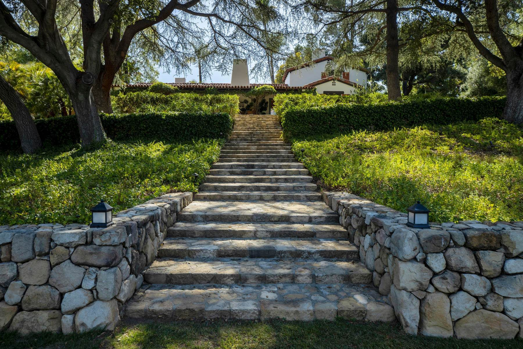 10. Single Family Homes for Sale at Iconic Paul Williams Design 906 Foothill Road Ojai, California 93023 United States
