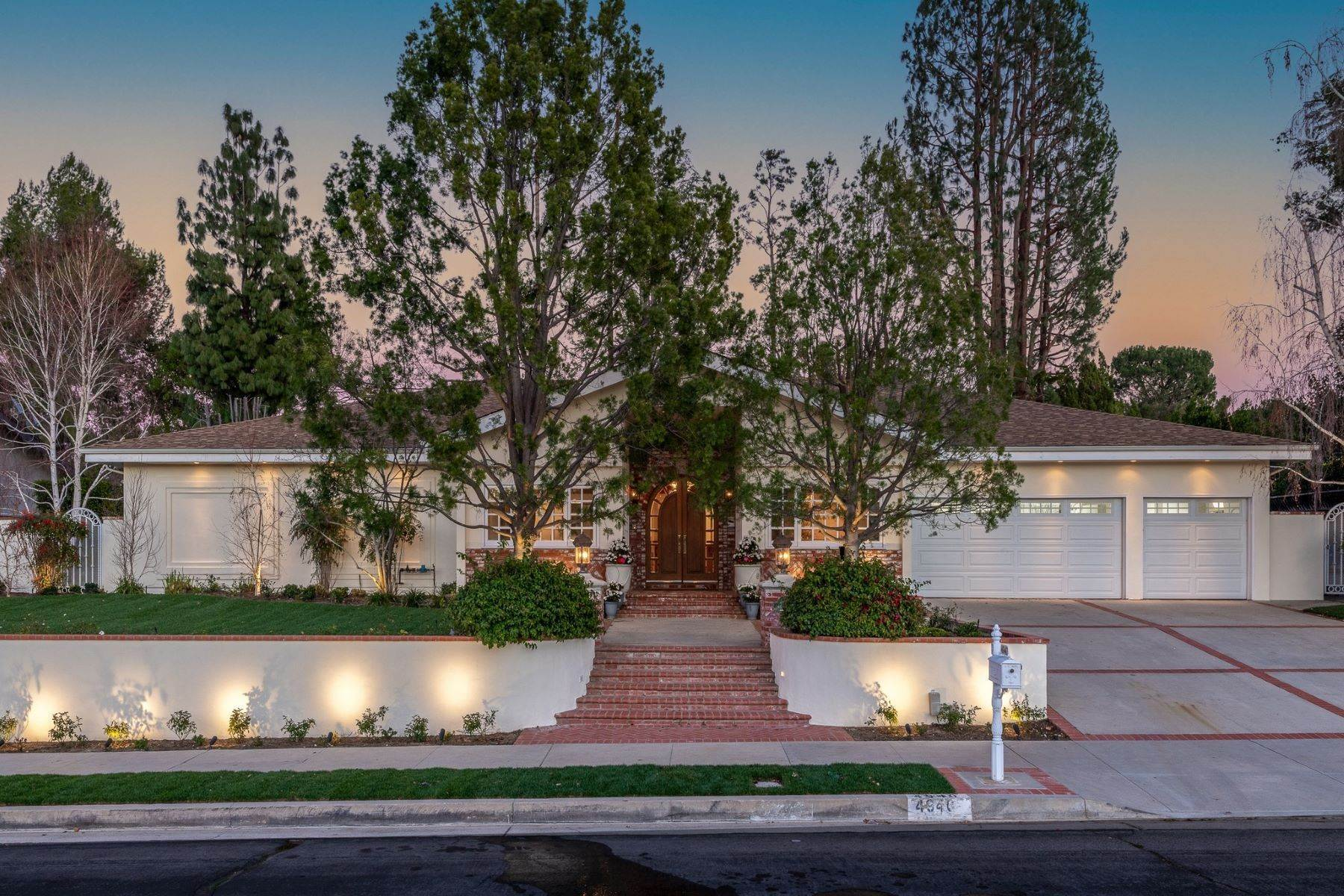 Single Family Homes for Sale at 4940 Bascule Avenue Woodland Hills, California 91364 United States