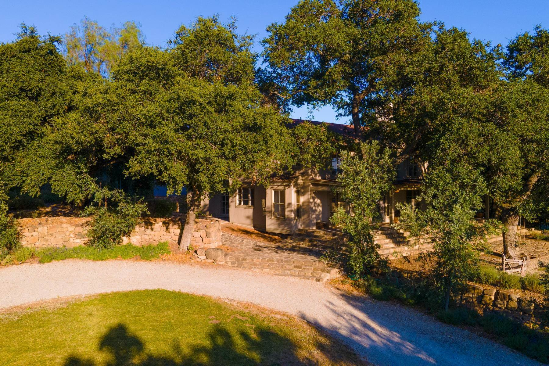 21. Single Family Homes for Sale at 4424 Thacher Road Ojai, California 93023 United States
