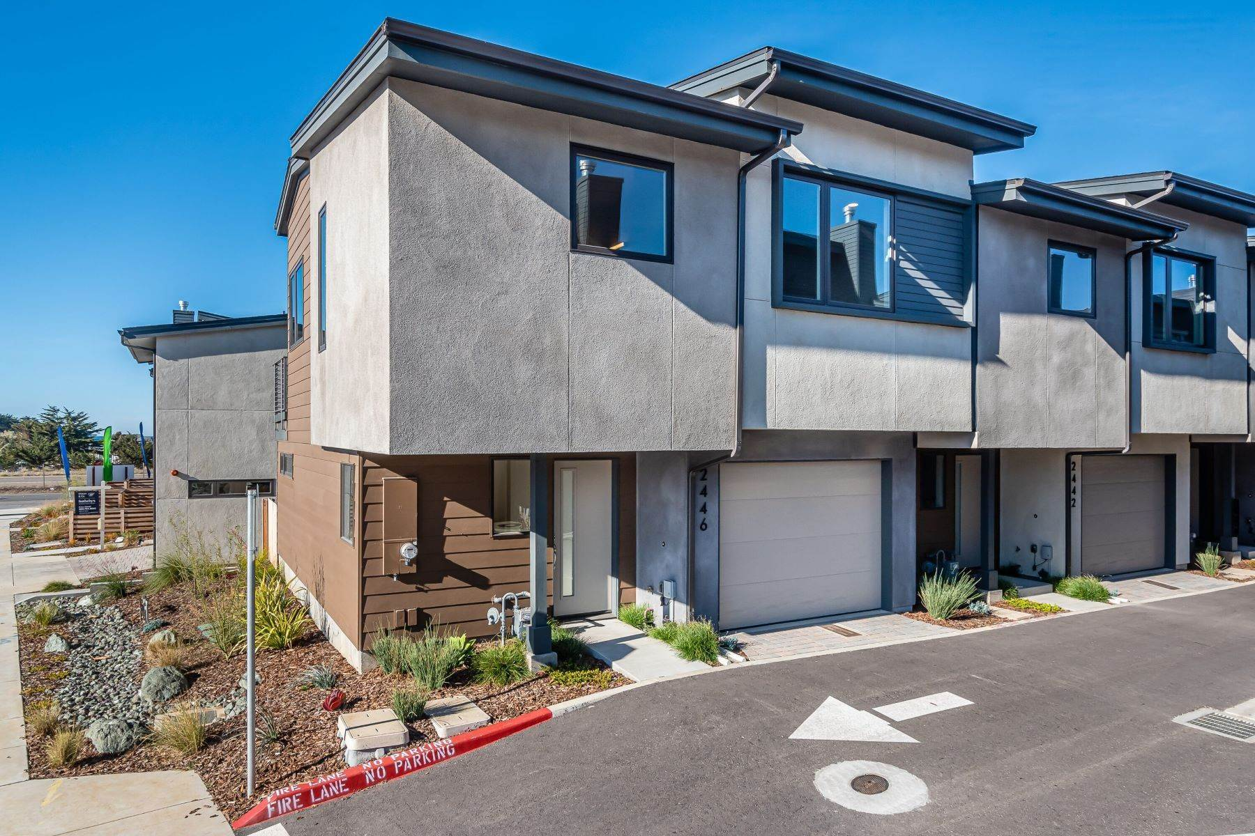 Single Family Homes for Sale at End-unit Brand New Beach Home 2446 Main Street Morro Bay, California 93442 United States
