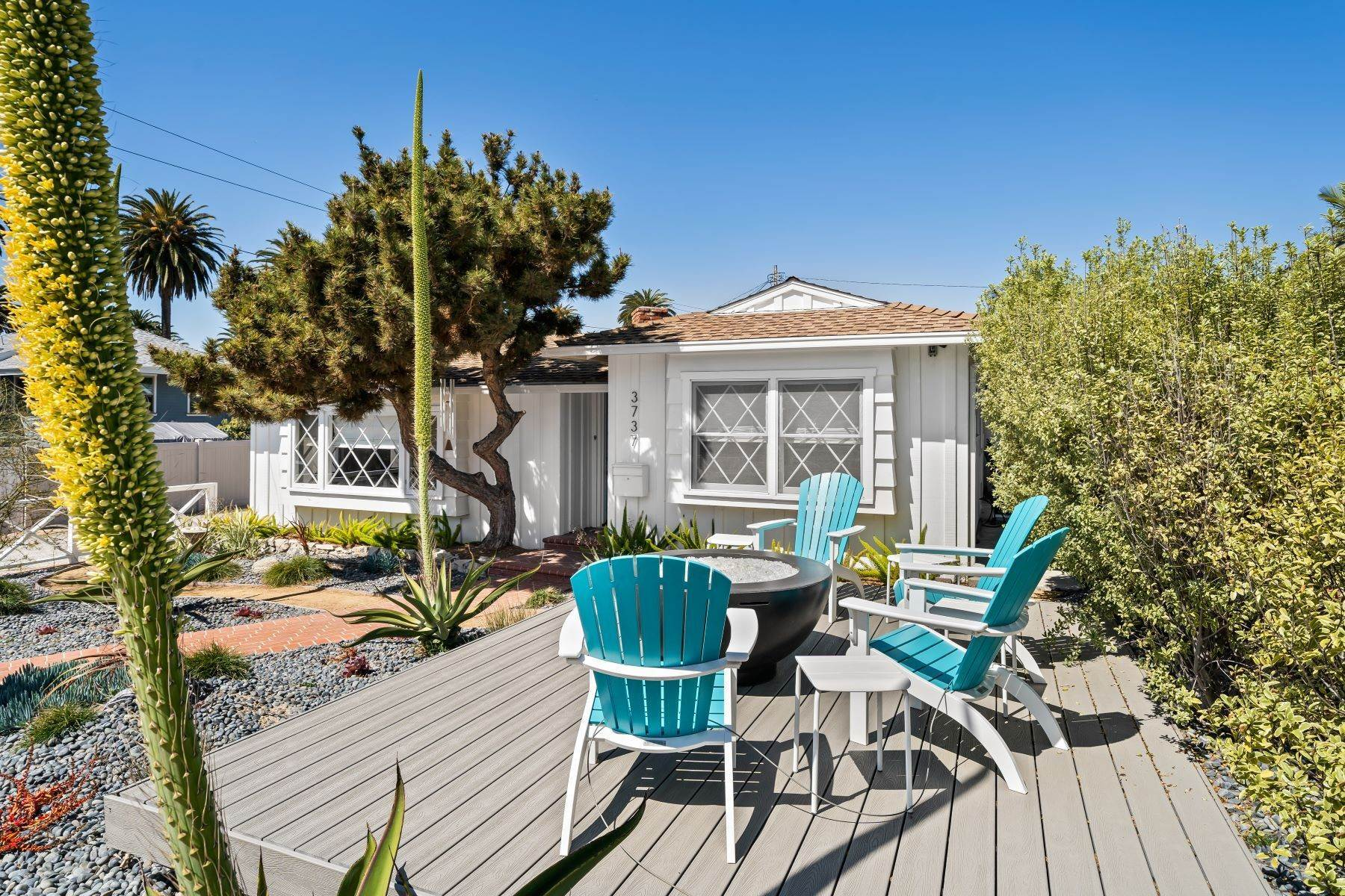 Single Family Homes por un Venta en 3737 South Cabrillo Avenue, San Pedro, CA 90731 3737 South Cabrillo Avenue San Pedro, California 90731 Estados Unidos