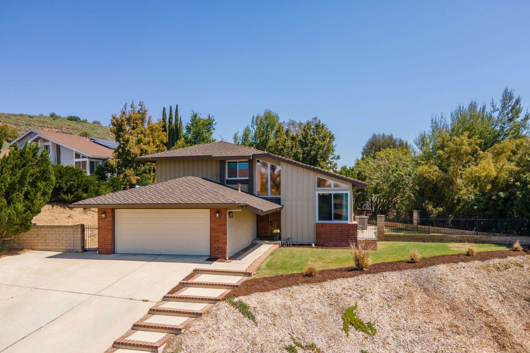 Single Family Homes por un Venta en 2838 Trillium Street Thousand Oaks, California 91360 Estados Unidos