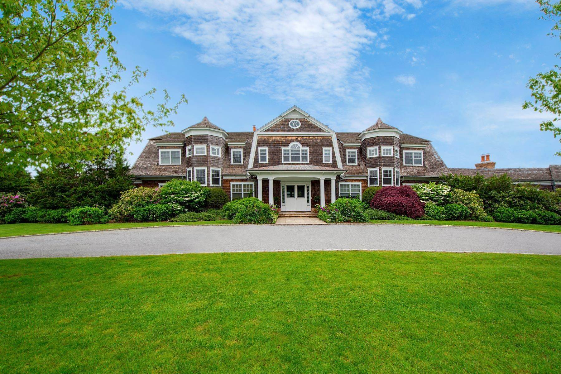 Single Family Homes at Estate Style Home on Ocean Road 704 Ocean Road Bridgehampton, New York 11932 United States