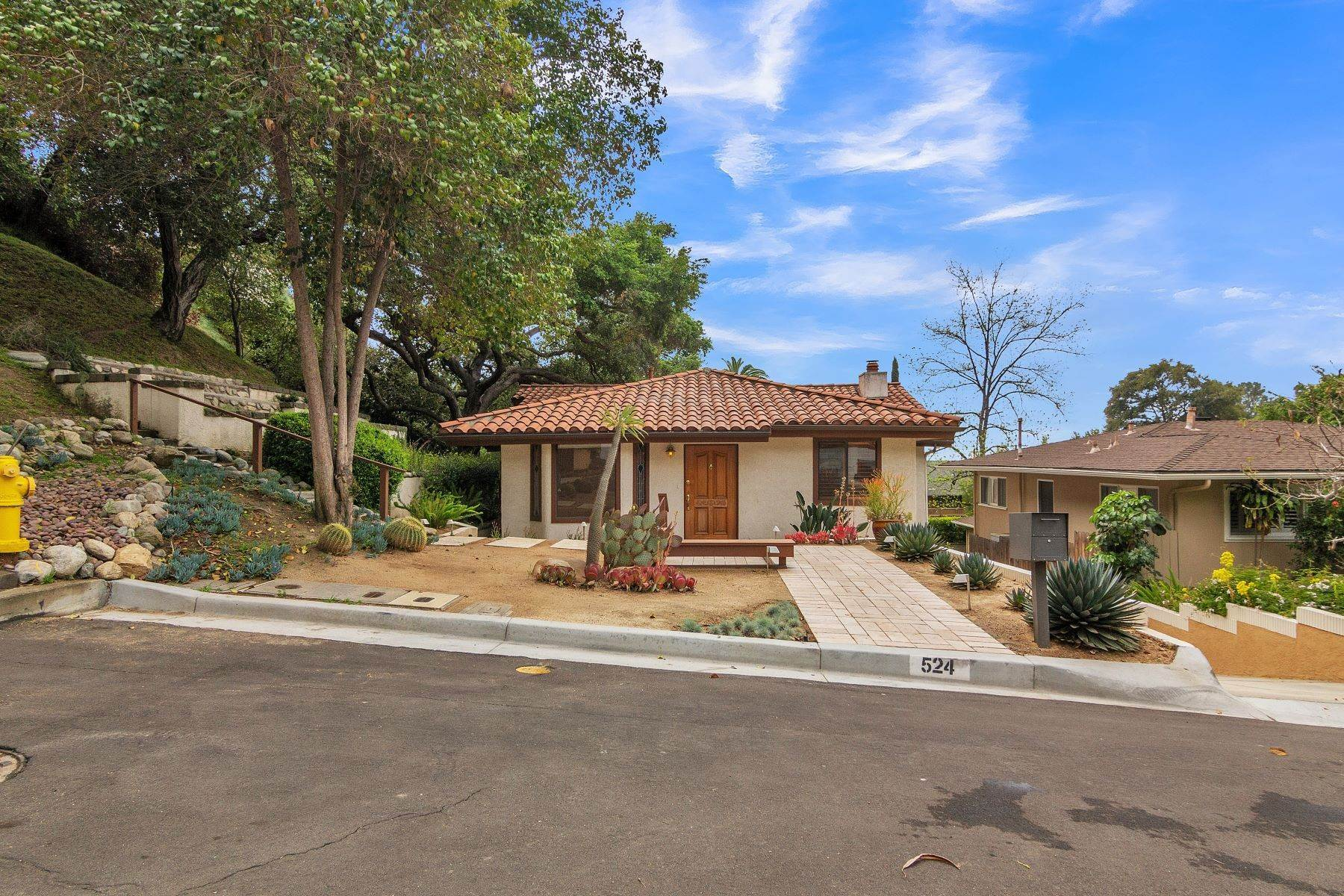 Single Family Homes for Sale at Desirable Monrovia Home In The Foothills 524 Franklin Place Monrovia, California 91016 United States
