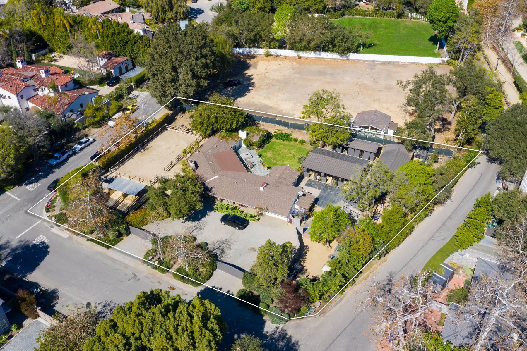 Single Family Homes for Sale at 13181 Riviera Ranch Rd 13181 Riviera Ranch Road Los Angeles, California 90049 United States