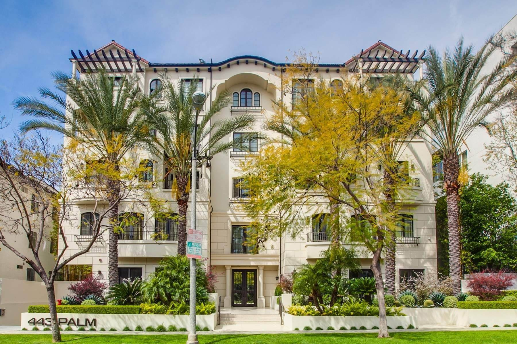 Condominiums por un Venta en 443 Palm Drive, Unit 402 Beverly Hills, California 90210 Estados Unidos